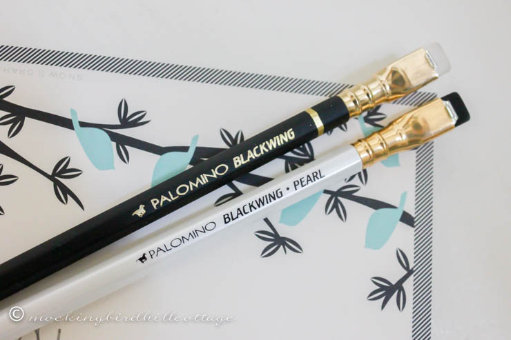 Blackwing palamino pencils close