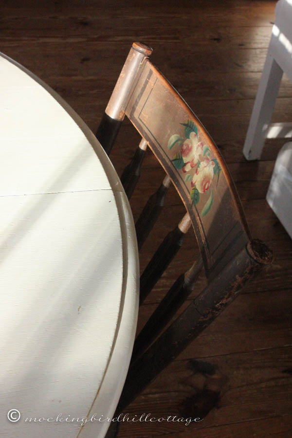 CHAIRS-brownchairattable