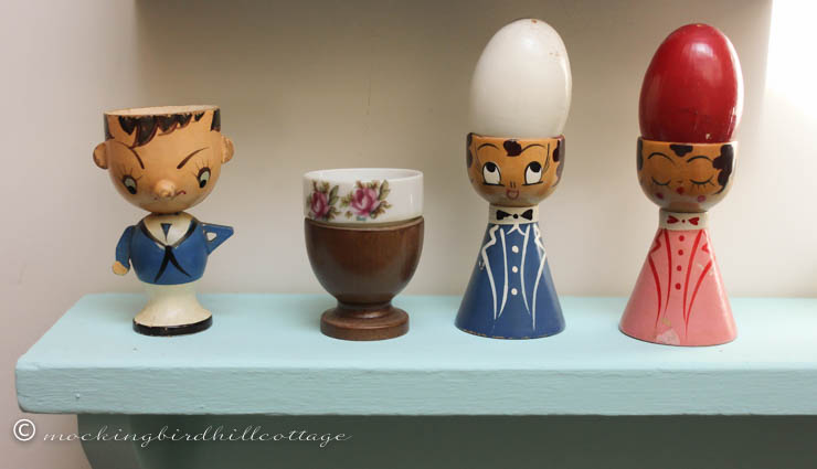 3-26 egg cups fig wooden