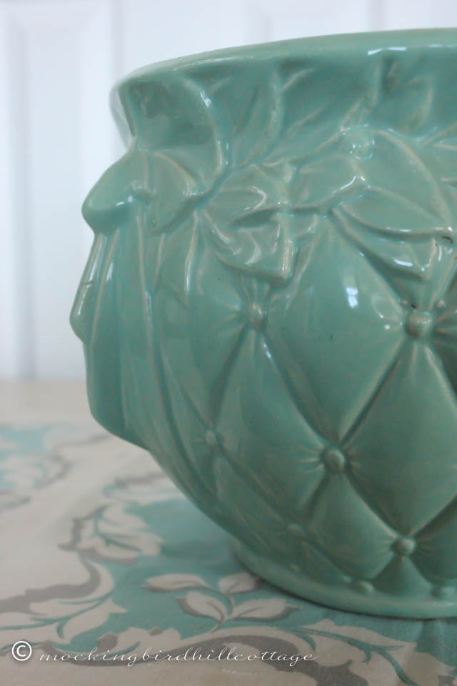 4-18 quilted jardiniere detail