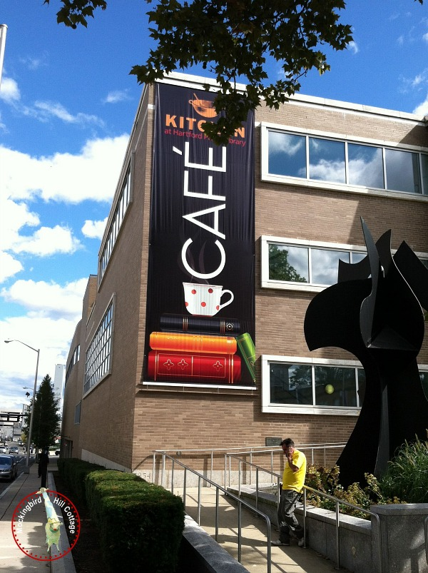 tuesbannercafe
