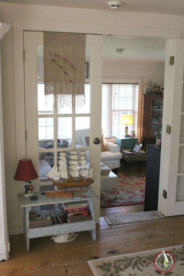 livingroomlookingintoden