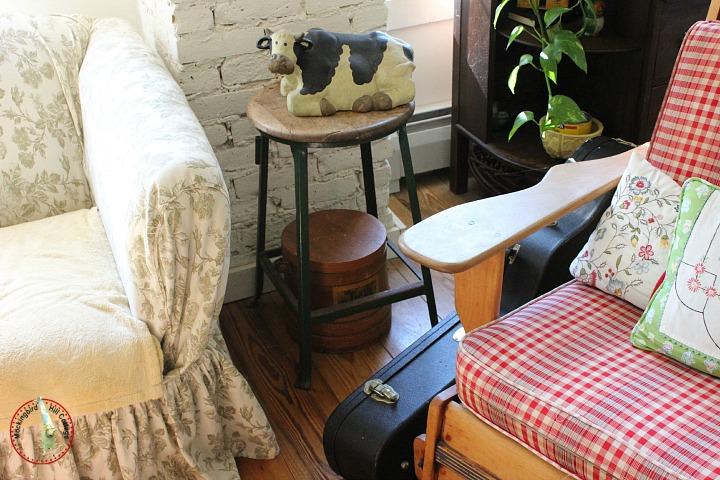 livingroommonty