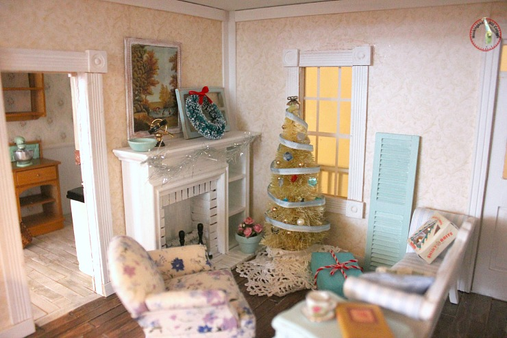 dollhouse living room decorated for christmas