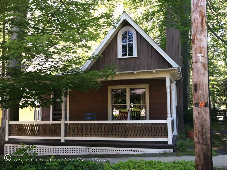 chaut-brown-cottage