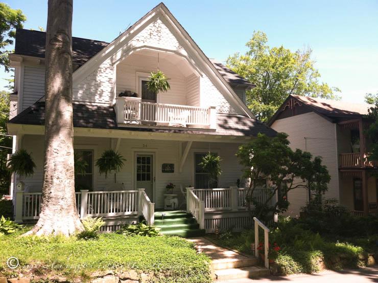 chaut-white-cottage