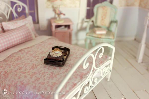 Fall dollhouse 9