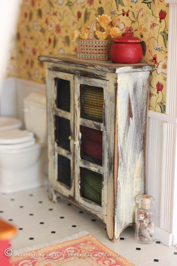 WWW Dollhouse bathroom 1