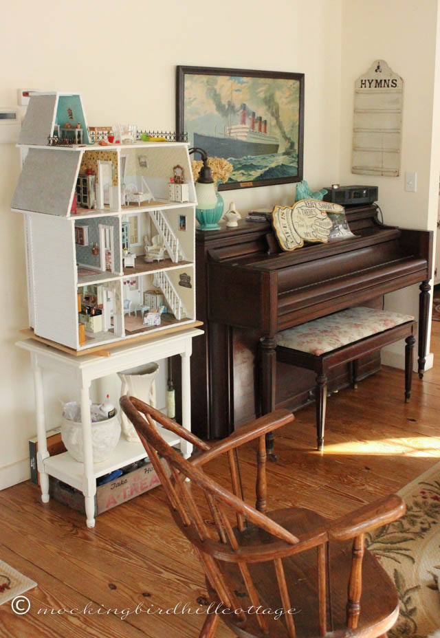 Corners-Living Room 4