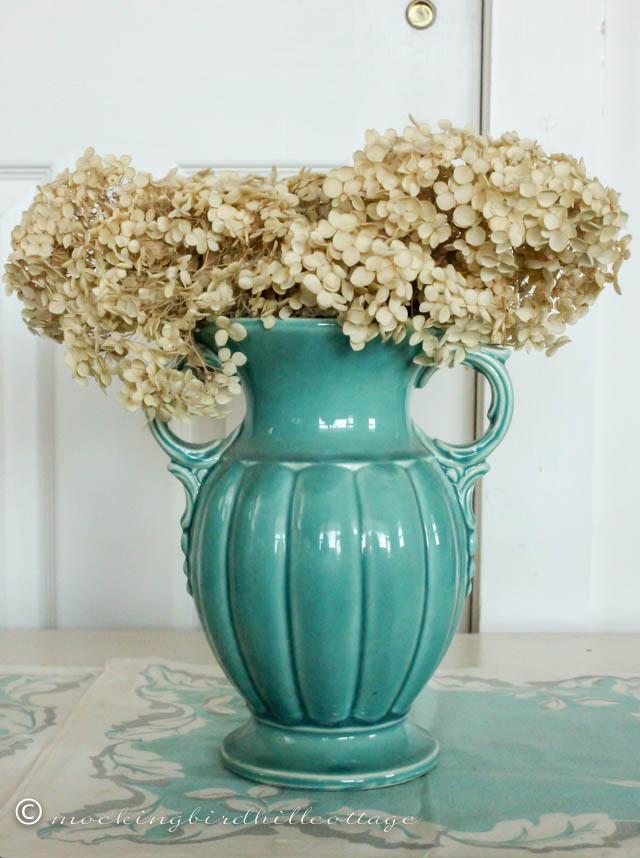 4-18 aqua vase