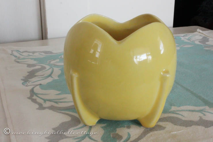4-20 yellow bulb-ball vase