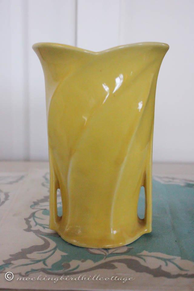 4-22 yellow vase_