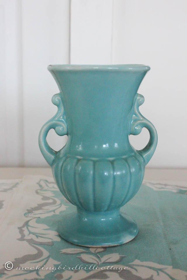 4-25 aqua vase
