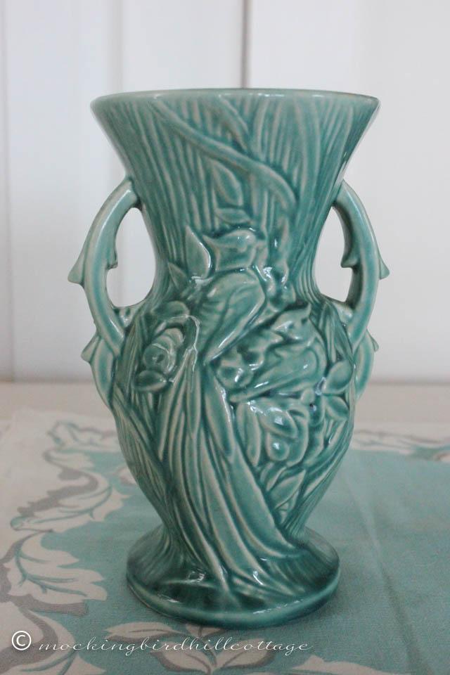 4-25 peacock vase back