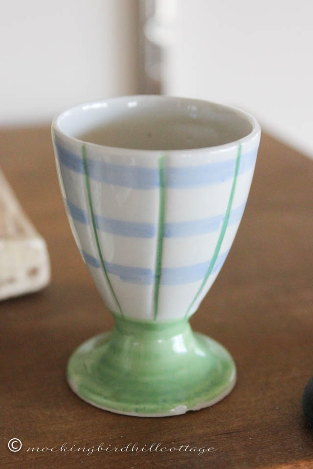 4-29 green-blue egg cup