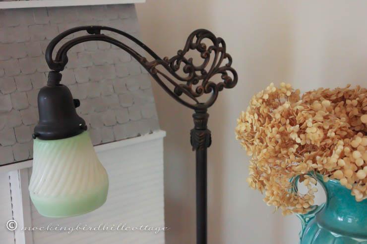 4-9 lamp