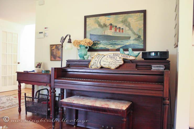 7-22 livingroom