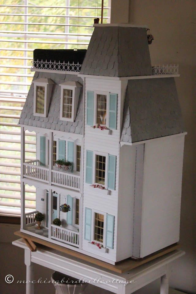 10-12 dollhouse