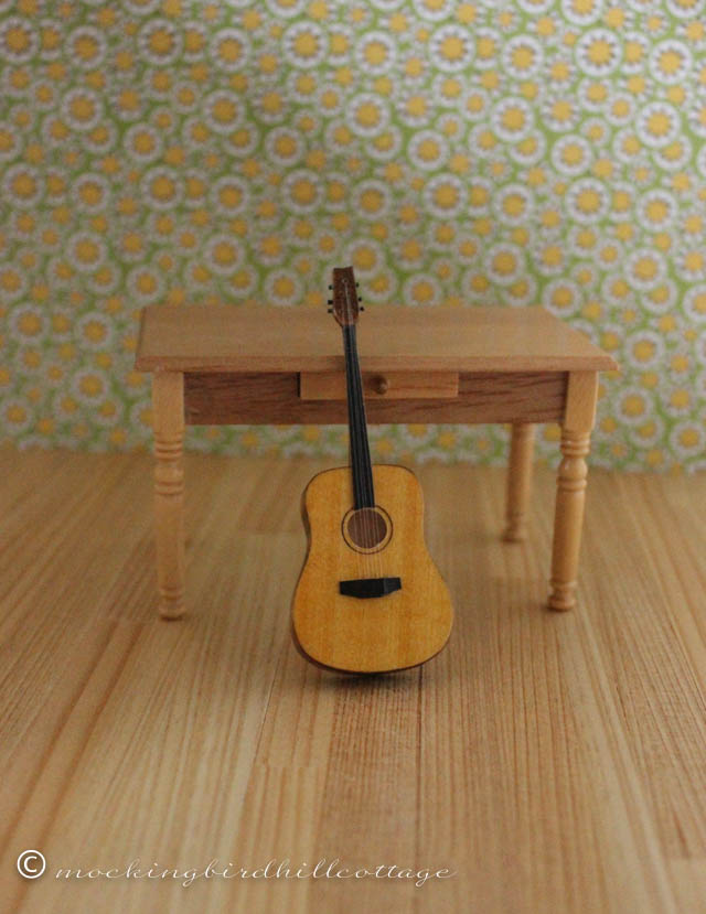 10-3 mini guitar