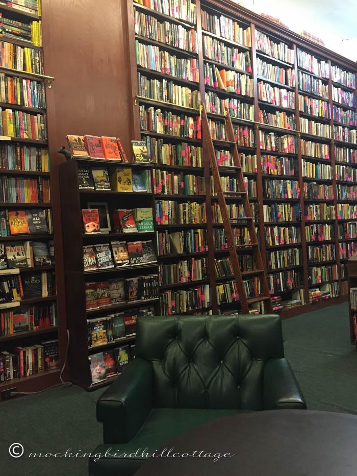 12-22 mysterious bookshop3