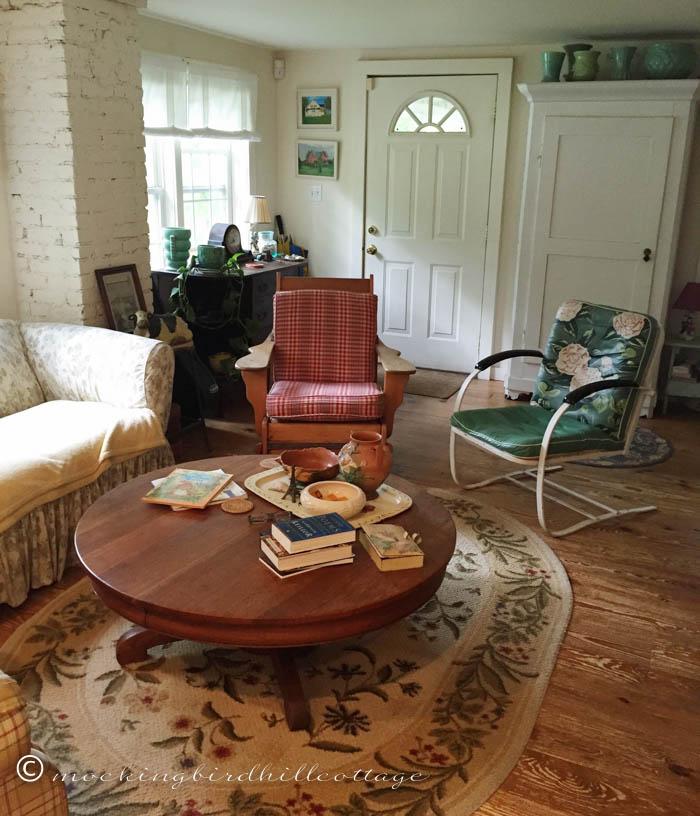 8-11 livingroom
