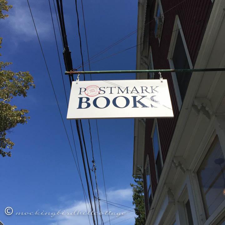 9-6 bookstoresign