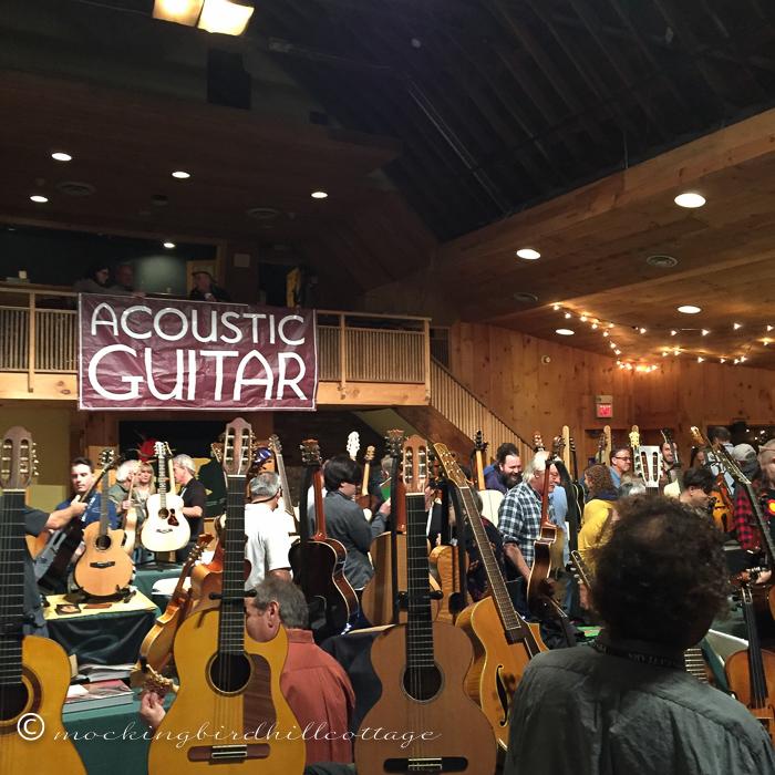 10-23-acousticguitarsign