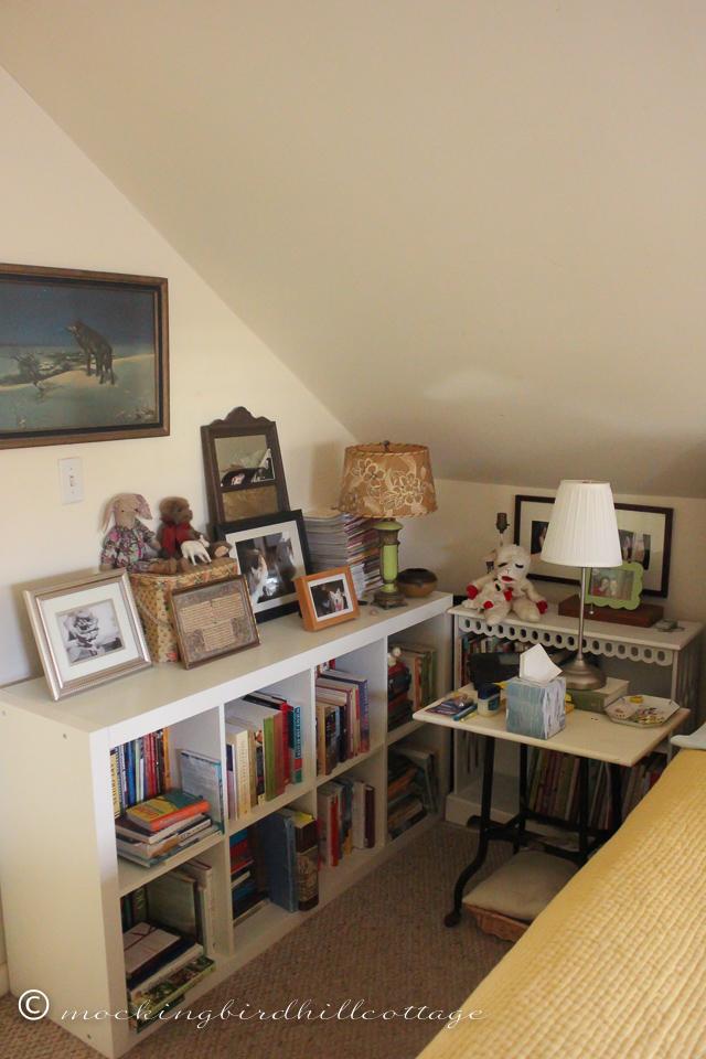 10-25-bookshelvesupstairs